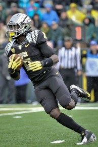 """De'Anthony Thomas, who stands in at a mere 5'9"""", 180 pounds, shows that small, speedy players can succeed in a college football landscape that has an increasing emphasis on size."""