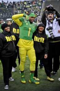 Huff's steady contributions to the Oregon football program over the past four years have been matched by few.
