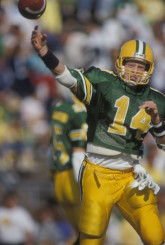 UO Athletics Hall of Fame quarterback Bill Musgrave marked the beginning of a new era for Duck football.