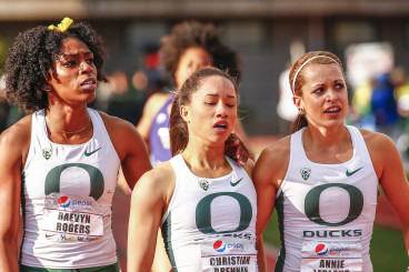 Oregon women post race.