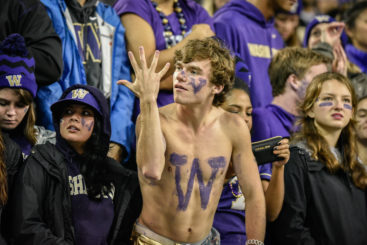 Stunned silence again -- after Oregon beats the Huskies 13 years straight